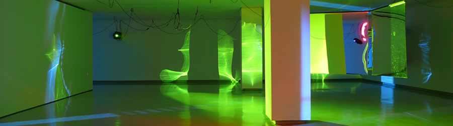 Haegue Yang, Moldaketa sentiberen saila- itzalik gabeko ahotsa hiruren gainean (2008). Site-specific instalazioa. Desberdintasun simetrikoa, sala rekalde, Bilbao. Fotografía: Begoña Zubero. (5)