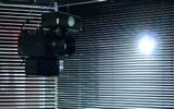 Haegue Yang, Moldaketa sentiberen saila- itzalik gabeko ahotsa hiruren gainean (2008). Site-specific instalazioa. Desberdintasun simetrikoa, sala rekalde, Bilbao. Fotografía: Begoña Zubero. (10)